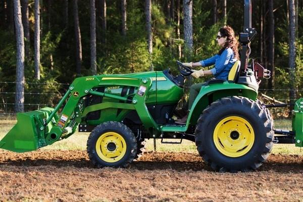 3 Series Compact Tractors Photo