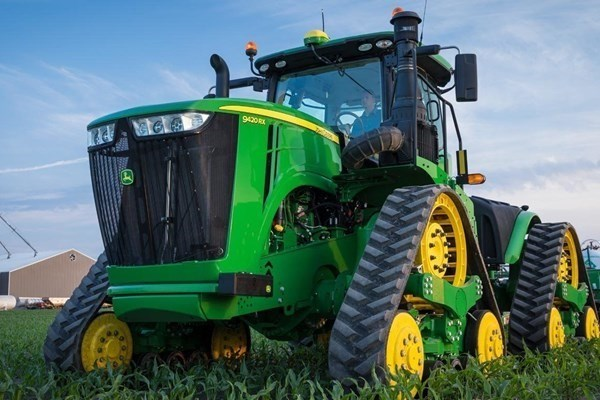 4WD and Track Tractors Photo