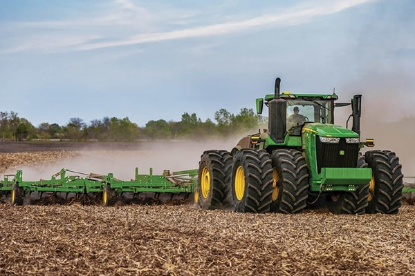 9R 540 Tractor Photo