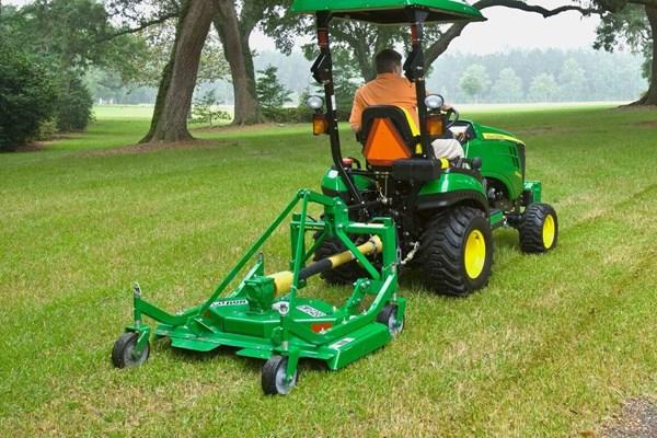 GM10E Series Grooming Mower Photo