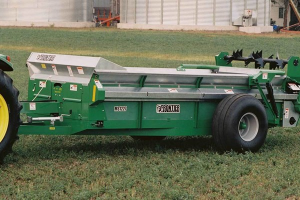 MS12 Series Large Chain-Unloading Manure Spreaders Photo