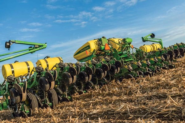 1795 16Row Split 31 or 32 Planter Photo