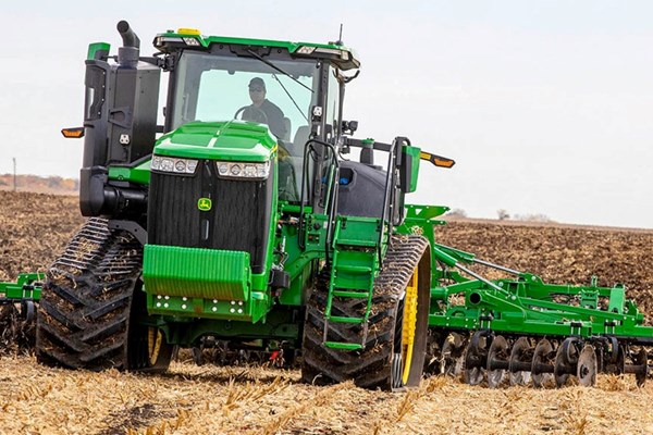 9RT 470 Tractor Photo