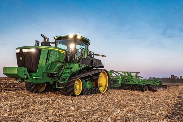 9RT 570 Tractor Photo