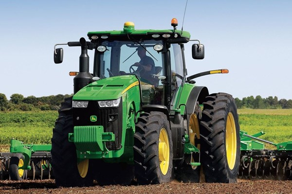 8270R Tractor Photo