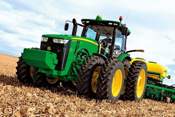 8345R Tractor Photo