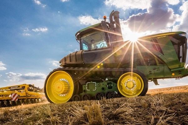 9570RT Tractor Photo