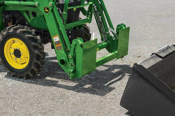 SA20 Series Skid Steer Carrier Adapter Photo