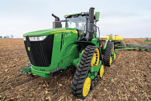 9RX 540 Tractor Photo
