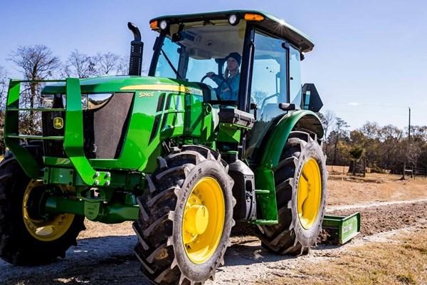 5090E Utility Tractor Photo