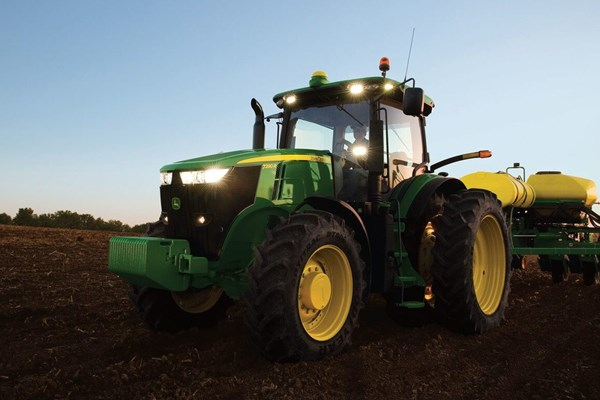 7270R Tractor Photo