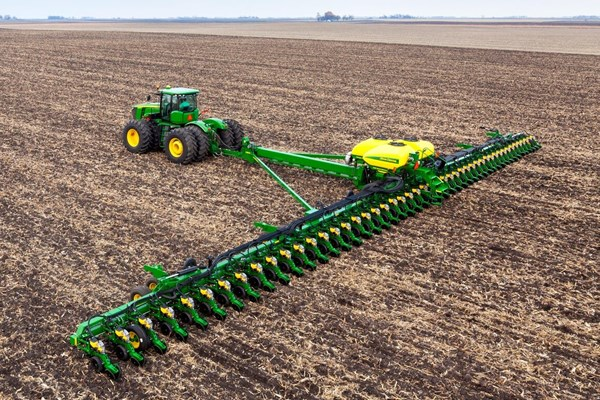 DB120 48Row30 Planter Photo