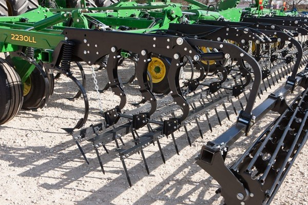 2230LL Level-Lift™ Field Cultivator Photo