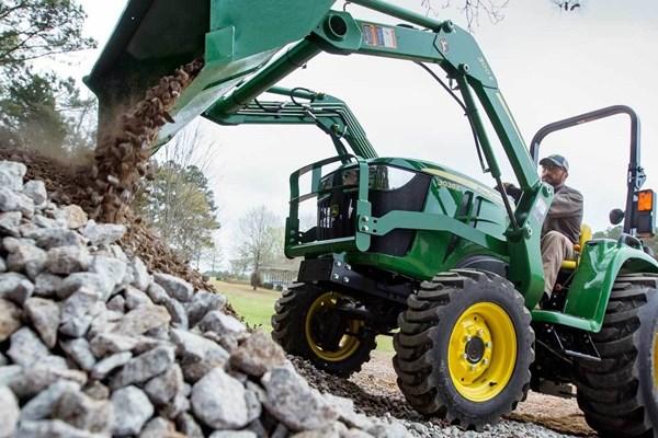3038E Compact Utility Tractor Photo