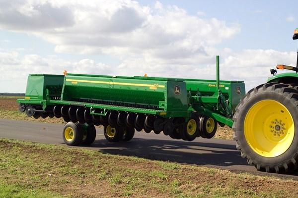 455 Front-Folding Grain Drill Photo