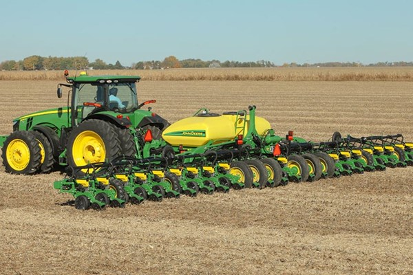 DR24 Planter Photo