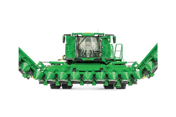 C18F Folding Corn Head Photo