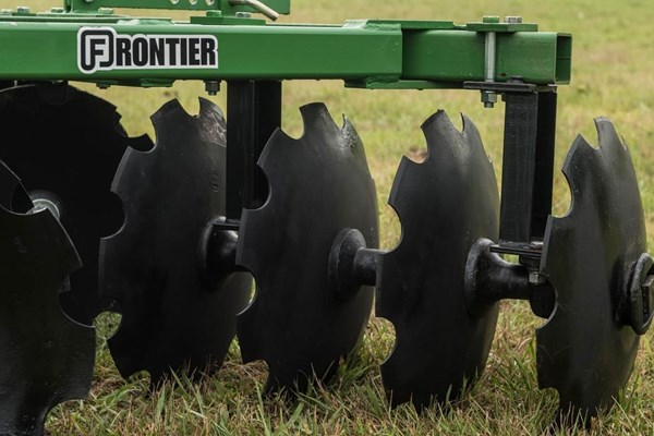 DH12 Series Disk Harrows Photo